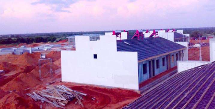 安哥拉重建委营地轻钢结构房屋